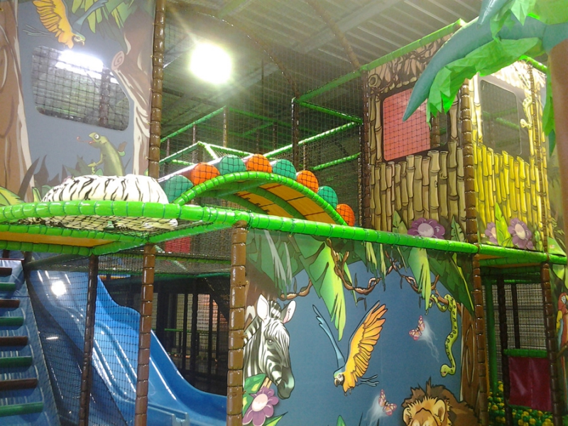 Jeu interieur enfant parc de loisirs creysse en for Parc de loisir interieur
